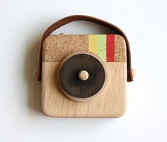 Anagram: Un juguete de madera inspirado en Instagram / Anagram: A Wooden Toy Inspired by Instagram