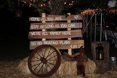 barn weddings decorations   Country Style Barn Wedding, South Carolina {Real Bride}Confetti ...