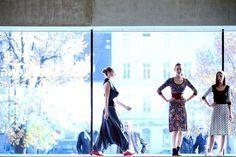 Linz wurde an diesem Wochenende zur Mode-Hauptstadt. Im Lentos Kunstmuseum zeigen bei der Modezone rund 40 Designerinnen und Designer aus dem In- und Ausland ihre aktuellen Kollektionen. Mehr dazu hier: http://www.nachrichten.at/nachrichten/society/So-schoen-schraeg-oder-schlicht-kann-Mode-sein;art411,1539758 (Bild: Weihbold)