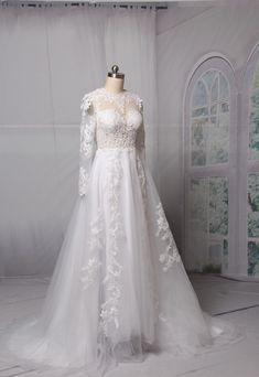 A-line Lace svatební šaty 2018 O-krk s dlouhým rukávem Backless Sweep Vlak  Aplikace Svatební šaty šaty Custom Made Vestido De Noive. Gown DressLace ... 7dfc35eabfe1