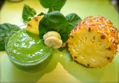 Ingredients: 1 cup pineapple chunks 2 lemons a handful of spinach half banana 1 tbsp. Smoothie Drinks, Healthy Smoothies, Healthy Drinks, Get Healthy, Smoothie Recipes, Healthy Snacks, Healthy Recipes, Weight Loss Smoothies, Healthy Choices