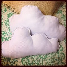 Qué os parecen mis #nubes? ☺️ Hoy en Mislaboresypunto cojines #diy #costura #handmade #homemade