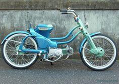 Una bonica i sençilla honda Cub. Motorcycle Icon, Moto Bike, Motorcycle Design, Honda Bikes, Honda Motorcycles, Gas Powered Bicycle, Electric Tricycle, Honda Cub, Beach Buggy