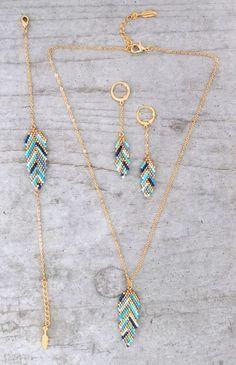 My-French-Touch - Bracelet ★ ★ feather woven glass beads Miyuki Seed Bead Jewelry, Bead Jewellery, Bead Earrings, Wire Jewelry, Jewelry Crafts, Beaded Jewelry, Jewelery, Beaded Bracelets, Feather Jewelry
