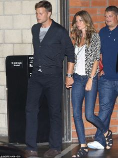Supermodel Gisele Bündchen shows off her effortless off-duty style while out and about with husband Tom Brady. #giselegance