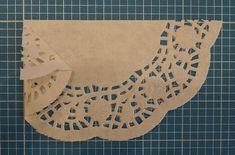 Doily-christmas-card-doily-fold-2.jpg (600×396)