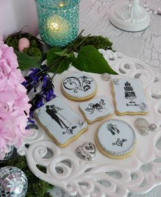 Wedding Cookie Favors    Blue and silver wedding cookie favors