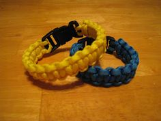 Paracord Survival Bracelet--made this for my nephew for Christmas.  He loved it.  I also made one for David & I'm making one for each of the rest of us for our emergency kits and probably for camping trips also.