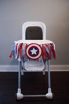 Captain America Smash cake. Captain America high chair decoration