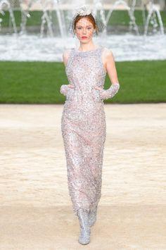 Karl Lagerfeld transforme le Grand Palais en jardin versaillais pour Chanel - Madame Figaro
