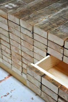 Wooden planks/buffet bas tiroirs cachés, bois brut