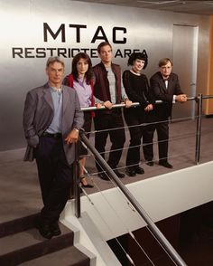 NCIS Cast Photo. They're all so little!!