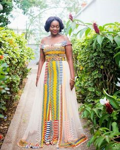 Simple & Classy Styles For African Women 2016 African Lace Dresses, African Fashion Dresses, Ankara Fashion, African Wear, African Women, Kente Dress, African Wedding Attire, Ghana Wedding, African Traditional Wedding