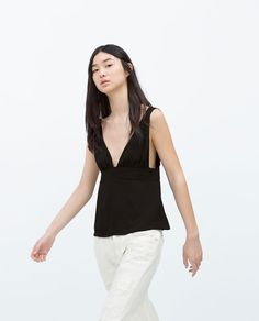 ZARA - NEW THIS WEEK - TOP WITH BOW AT THE BACK