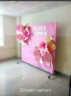 Xmas Decorations, Flower Decorations, Diy And Crafts, Arts And Crafts, I School, Ladies Day, Paper Flowers, Backdrops, Balloons