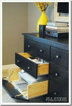 Hinges on a dresser drawer? Awesome way to make a drawer more versatile! http://www.pbjstories.com/2012/01/my-hide-away-printer-project.html?utm_content=buffer196a1&utm_medium=social&utm_source=pinterest.com&utm_campaign=buffer