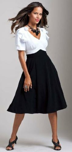 Taffeta-free alternatives for the Mother of the Bride's Dress        Your mom should wear something that not only looks and feels good, but that expresses her style (and potentially the style of the wedding!).