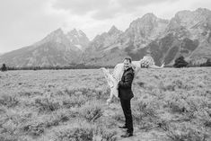 Posing tips for wedding couples at their outdoor elopements. Whether you choose to get married in a beautiful church, or an adventure elopement in Grand Teton National Park these posing tips will be game changers for your pictures. Wedding Poses, Wedding Couples, Wedding Portraits, Posing Tips, Posing Ideas, Beautiful Stories, Beautiful Moments, Grand Teton National Park, National Parks
