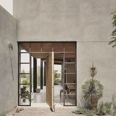 The Hardt Marfa Texas Architecture 77 The 7 Most Fire Modern To Rustic Houses Yo… – Rustic House Stucco Exterior, Stucco Homes, Stucco Walls, Exterior Design, Stucco Interior Walls, Ranch Exterior, Exterior Shutters, Wall Exterior, Cottage Exterior
