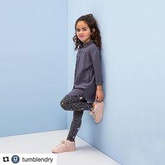 Vind jij deze @tumblendry look ook zo gaaf? linkindebio #tumblendry #aw17 #girlsfashion #blousefemke #leggingfairly