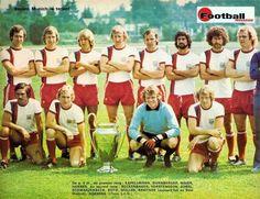 Retro Football, Football Kits, Messi, Germany Football, English Football League, Team Photos, Real Madrid, Munich, Baseball Cards