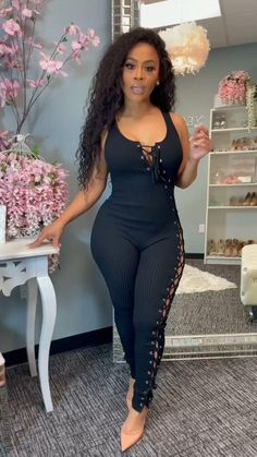 Fall Fashion Outfits, Women's Summer Fashion, Trendy Outfits, Fashion Dresses, Cute Outfits, Bodycon Dress With Sleeves, Curvy Girl Outfits, Black Women Fashion, Beautiful Black Women