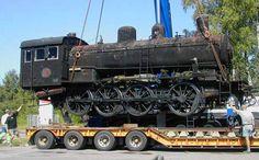 62 ton ånglok svävar i luften i Målerås