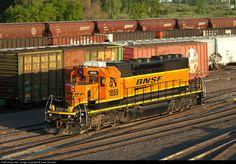 RailPictures.Net Photo: BN 1850 Burlington Northern Santa Fe EMD SD40-2 at Superior, Wisconsin by Dave Schauer