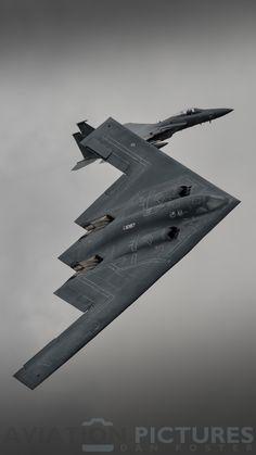 Northrop Grumman Stealth Bomber 'Spirit of Pennsylvania' Stealth Aircraft, Stealth Bomber, Aircraft Engine, Fighter Aircraft, Us Military Aircraft, Military Jets, Military Vehicles, Air Fighter, Fighter Pilot