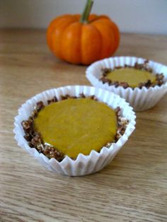 pumpkin pie pudding cup; gluten free, no bake; makes 5 cups: dates, pecans, cinnamon, maple, gf oats, pumpkin puree, coconut cream, ginger, nutmeg, cloves, vanilla; microwave and refrigerate!