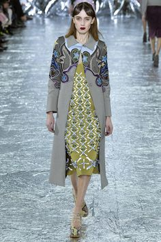 Mary Katrantzou Fall 2016 Ready-to-Wear Collection Photos - Vogue...like the coolest mash-up of Miu Miu, Marni and Dries...also, chartreuse FTW!