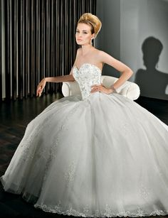 Beautiful Ball gown wedding gown