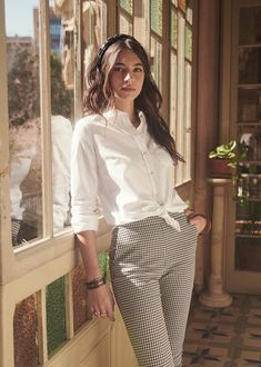 42 fancy work outfits ideas with white blouse to copy 1 – Trendy Fashion Ideas Mode Outfits, Fashion Outfits, Fashion Trends, Fashion Poses, Fashion Editorials, Fashion Ideas, Classy Outfits, Casual Outfits, Formal Outfits