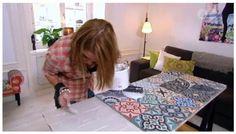 I kvällens Äntligen hemma gör Lulu Carter ett matbord med hjälp av kakelplattor, spånskiva och två bockar. Blev riktigt snyggt. Hon gjorde bordet i marockansk stil men man kan välja precis vilken stil man vill utifrån det kakel man gillar. H&au...