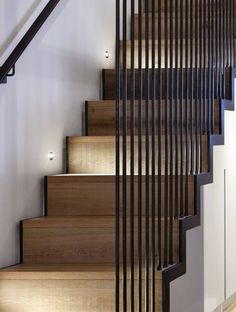 modern ideas for stair protection made of metal steel wooden staircase stair railing stair railing parapet parapet height Modern banisters and fall protection - fall protection for stairs Hiltrud Schwarzer Rahimatrudi Treppen mode Wooden Staircase Railing, Modern Stair Railing, Stair Railing Design, Home Stairs Design, Modern Stairs, Interior Stairs, Railing Ideas, Stair Treads, Black Staircase