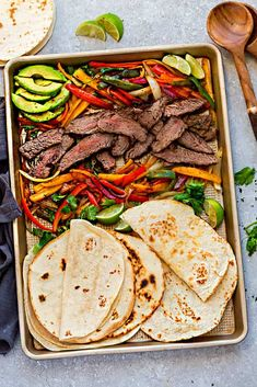 Sheet Pan Steak Fajitas are tender, juicy and full of flavor and perfect for busy weeknights! Best of all, options for low carb and keto with a homemade fajita spice blend and cilantro lime marinade. Best Low Carb Recipes, Healthy Recipes, Easy Steak Fajitas, Chicken Fajitas, Beef Fajita Recipe, One Pan Dinner Recipes, Fajita Spices, Weeknight Meals, Gastronomia