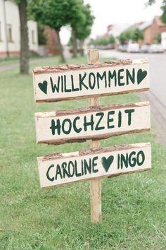 Moderne Hochzeit in einem idyllischen Waldschlösschen @ Mateja Müller http://www.hochzeitswahn.de/inspirationen/moderne-hochzeit-in-einem-idyllischen-waldschloesschen/ #wedding #mariage #diy