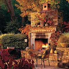 Glowing Outdoor Fireplace Ideas: Freestanding Outdoor Fireplace