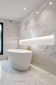 Marble Bathrooms Carrara Bathrooms White Marble Bathroom Ideas Freestanding Marble Bath Large Shower Niche Source by ontheballbathrooms Bathroom Layout, Small Bathroom, Bathroom Ideas, Bathroom Organization, Bathroom Tubs, Marbel Bathroom, Small Bathtub, Bathtub Ideas, Concrete Bathroom