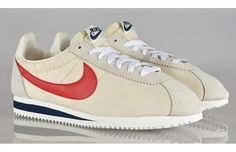 Sneakers have been a part of the fashion world more than you may realise. Modern day fashion sneakers carry little likeness to their early forerunners but their popularity remains undiminished. Nike Hoodie, Nike Sweatpants, Nike Leggings, Nike Classic Cortez, Nike Outfits, Vintage Nike, Nike Cortez, Sneakers Mode, Sneakers Fashion