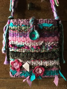 Swipple RippleConcierge Bag by LibbyEngelInc on Etsy Estilo Hippie Chic, Gypsy Bag, Art Bag, Handmade Purses, Weaving Projects, Boho Bags, Fabric Bags, Fabric Jewelry, Knitted Bags