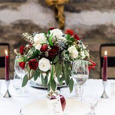 Centerpiece for the Love & Lace tablescape by @luxeventrental ! Photo by @amy.sturgeon | #ottawaflorist #ottawawedding #orangerieottawa #dsfloral