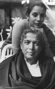 Shabana azmi with Kaifi Azmi