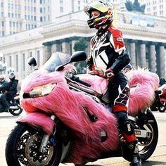 awww all pink and fuzzy Best Motorbike, Motorbike Girl, Motorcycle Bike, Motorcycle Girls, Lady Biker, Biker Girl, Wind Blown Hair, My Ride, Sport Bikes