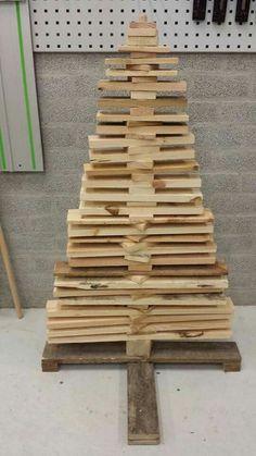 Kerstboom van pallethout  Bezemsteel van de Action.