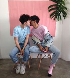 Read boyxboy🌈 from the story 𝒍𝒈𝒃𝒕 𝒊𝒄𝒐𝒏/ by dalinbebek (🏹) with reads. Gay Mignon, Gay Lindo, Gay Aesthetic, Aesthetic Experience, Cute Gay Couples, Boyxboy, Pose Reference, Humor, Pretty Boys