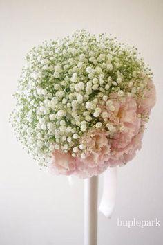 結婚式でじわじわ人気。かすみ草の花冠やブーケ、装花がかわいい! - NAVER まとめ