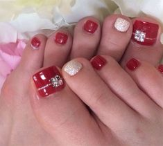 I Am Providing You A Post Of 20 Best Merry Christmas Toe Nail Art Designs