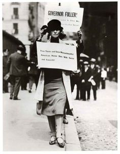 1920s-Edna-St.-Vincent-Millay-Protests Downton Abbey Era 1920s Fashion
