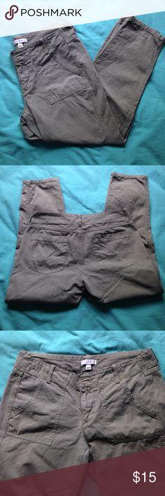 "J. Crew 4 Olive Capri Pants Cropped Cotton 31"" W 100% cotton, 31"" waist, J. Crew clam diggers/capris/pedal pushers. 24"" inseam. 8"" rise. In great condition. J. Crew Pants Capris"